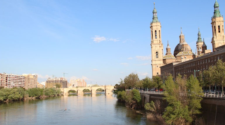 Saragosse vue du fleuve