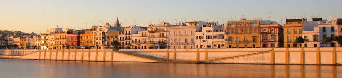 Calle Betis à Séville et Guadalquivir